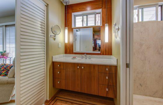 Modern-Island-Refresh-Bath-Vanity