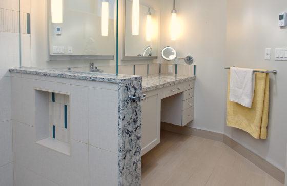 Ramona Master shower to vanity