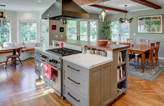 Rockridge Open Plan Kitchen island to Dining
